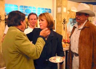Silvinha e Eduardo Araújo dão so parabéns ao amigo Ronnie